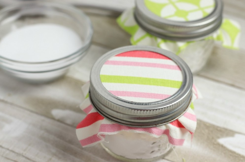 DIY Baking Soda Air Freshener